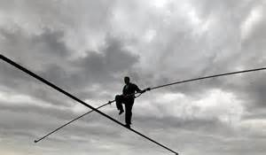 tight rope niagara falls tightrope walker nik wallenda prepares for