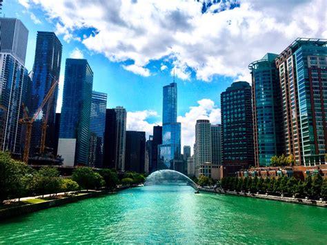 rivers runs green chicagos tribute  saint patrick