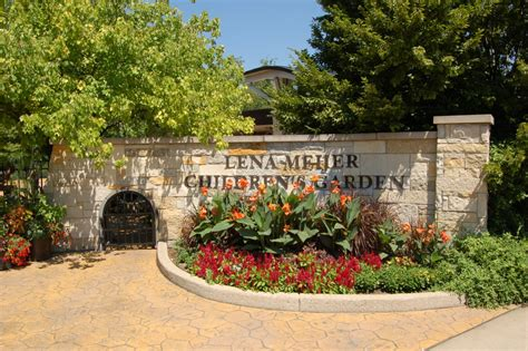 Meijer Botanical Garden Photo Gallery Friday Frederik Meijer Gardens Sculpture Park Grand Rapids Travel The Mitten