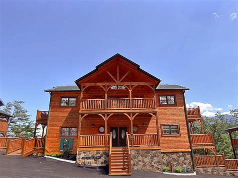 7 bedroom cabins in gatlinburg tn gatlinburg cabin parkview palace 7 bedroom sleeps 28