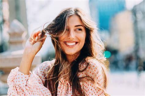 alimenti per capelli forti una sana alimentazione per capelli forti e lucenti