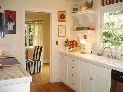 decorating kitchen how to design small kitchen decorating a small kitchen