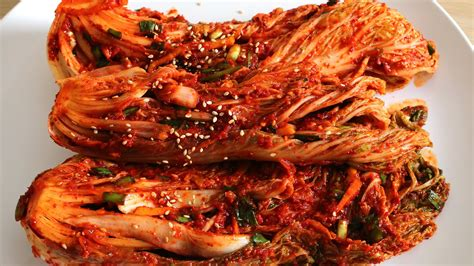 kimchi pickled spicy cabbage iuitravel
