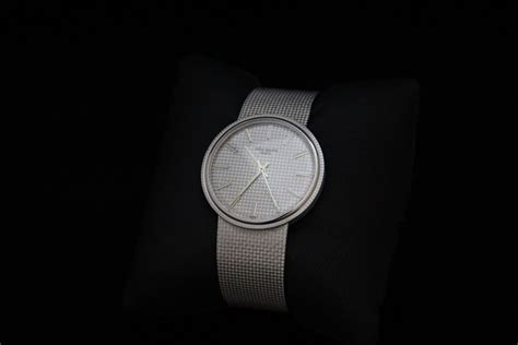 Luxury Giveaways - luxify offers new and used luxury items watchreport com