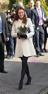 Get Look Kate Middletons Topshop Tunic Dress by Kate Middleton In A Black Topshop Dress With Contrast
