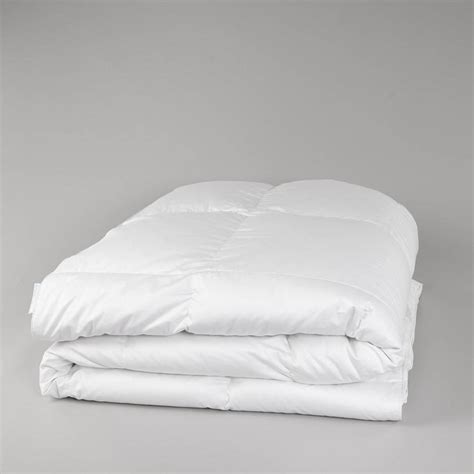 down comforter blanket the world s most luxurious white goose down comforter