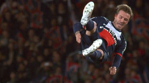 David Beckham Injures Knee In Soccer Match by Tears For Psg S Beckham In The Last Of His Career