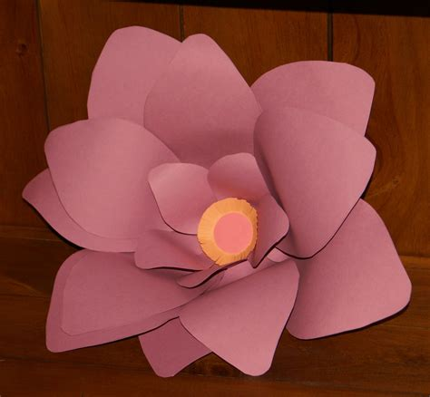 Show How To Make Paper Flowers - paper flower