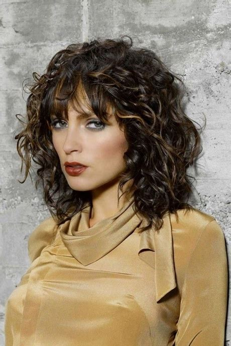medium curly haircut for round face allnewhairstyles com curly medium length hairstyles 2018