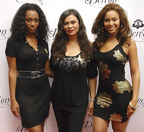 read tina knowles lawsons letter to beyonce solange and tina knowles pens sweet letter to beyonce solange kelly