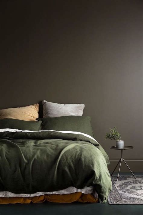 olive green bedroom ideas 25 best ideas about khaki bedroom on olive