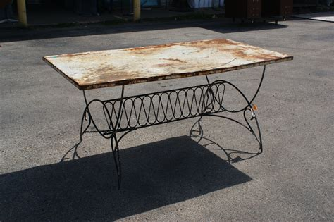5 5 Ft Vintage Art Deco Metal Outdoor Patio Dining Table Vintage Patio Table