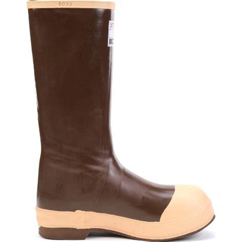 xtratuf boots honeywell xtratuf steel toe insulated neoprene boot nor22273