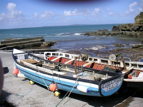 irish boat oars irish curragh skin fishing boats on the dingle peninsula