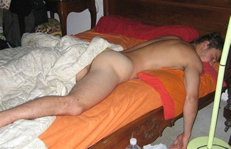 That S A Hot Summer Dudes Sleep Naked Spycamfromguys