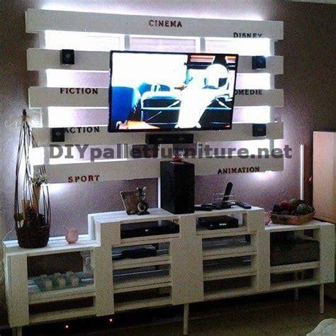 schrank paletten tv schrank mit paletten gebautmobel aus paletten mobel