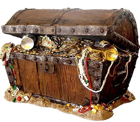 A Box Of Treasures by The 25 Best Ideas About Pirate Treasure Chest On