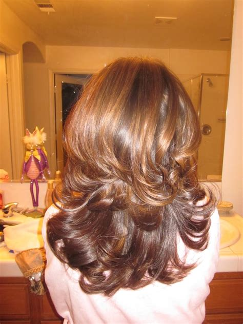 highlighted hair with brown underneath layered pictures caramel highlights on medium brown hair with layered cut