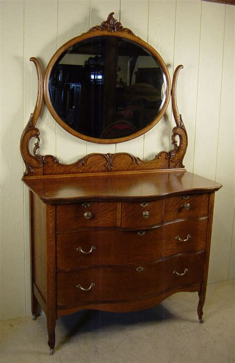 Antique Dressers With Mirror by How To Choose An Antique Dresser With Mirror Doherty House
