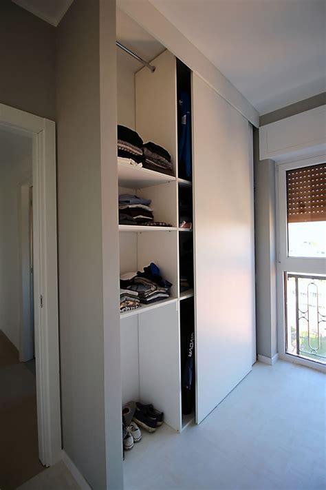 foto di armadi foto armadio in nicchia di artigiana srl 357478