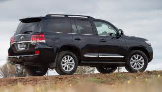Toyota Landcruser 2016 Toyota Land Cruiser Revealed Gaadi