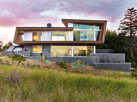 modern beach homes a modern beach house arrives in cape cod massachusetts