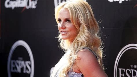 Britneys Message To The World by Resumes Las Vegas Show With Message Of