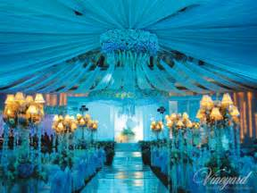 One of the popular wedding decoration ideas is to have innovative