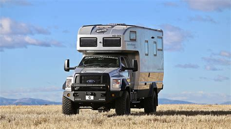 ford earthroamer xv hd the earthroamer xv hd is a rv that maximizes space