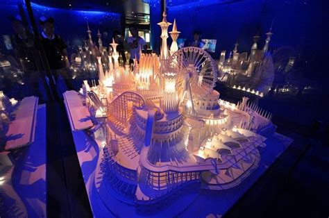Paper Craft Castle - stunning papercraft castle on the