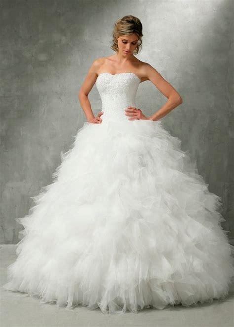 Robe de mariée a plume   Idée mariage, robe de mariage et