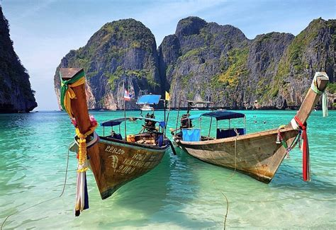 maya bay koh phi phi  thailand travelling colors