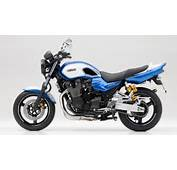 2014 Yamaha XJR1300 DE Racing Blue Studio 006