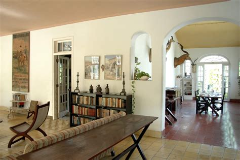 English Style Home Decor file casa di ernest hemingway a cuba 03 jpg
