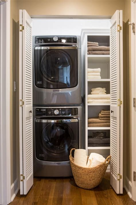 Within The Master Bedroom Was A Small Entry Hallway And Bedroom Laundry