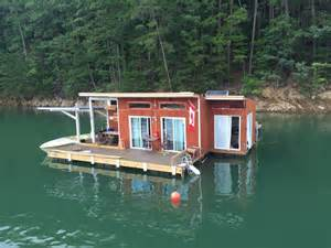 Floating Houses A Small Grid Floating Home On Fontana Lake In Almond