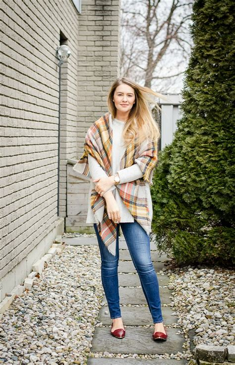 5 Ities Styling Posts To Blogstalk by City Style Guide How To Wear A Blanket Scarf 5 Ways
