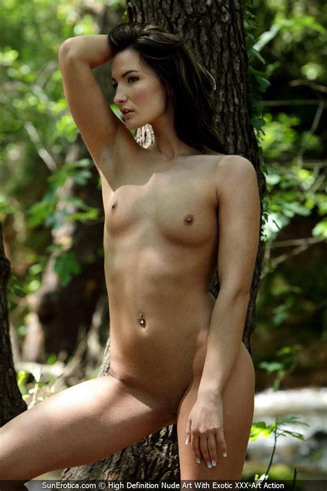 Marion Nude Outdoors By Sun Erotica Erotic Beauties