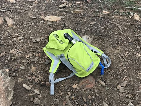 choosing a hydration pack choosing the best hydration pack for your adventure