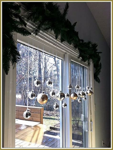 20 Stunning Window Decorations For Christmas Festival How To Decorate A Sliding Glass Door With Curtains