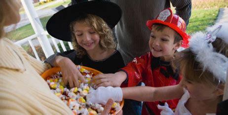 imagenes de halloween niños pidiendo dulces tips de seguridad para la noche de halloween art 237 culos