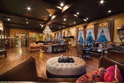 la casa di michael jackson michael jackson s las vegas mega mansion hits the market