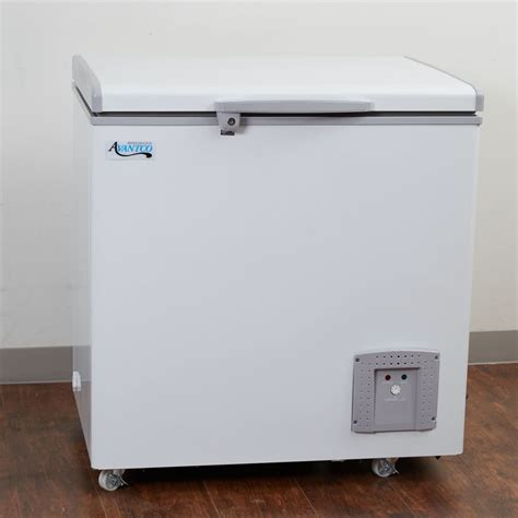 Chest Freezer Box avantco cf5 commercial chest freezer