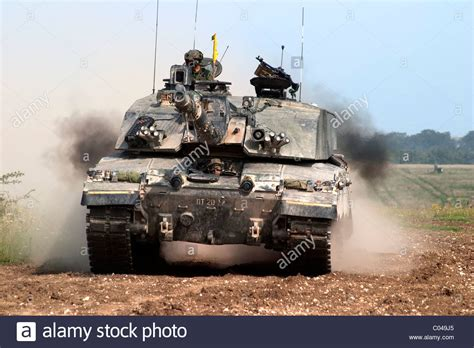 challenger 2 tank a challenger 2 battle tank mbt of the army