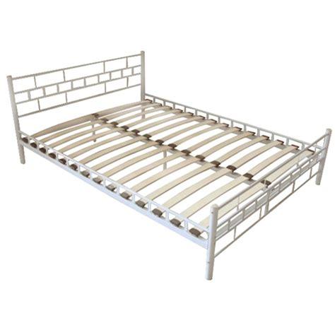 letto con materasso letto metallo bianco con materasso 200 x 140 cm vidaxl it