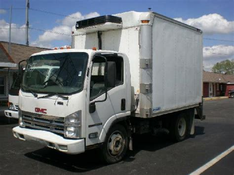 gmc w5500 hd picture 10 reviews news specs buy car