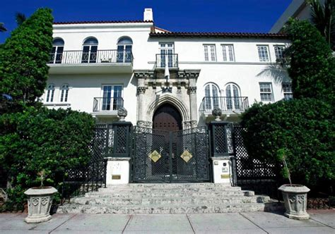 property designer giving up his 8 million gold coast justice story gianni versace ny daily news