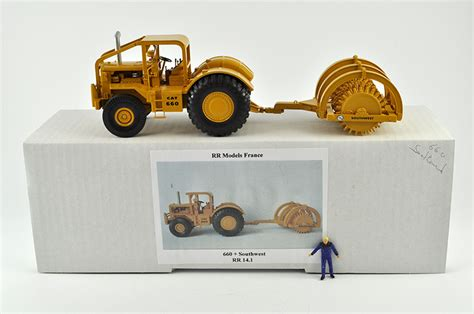 Fab Flash Supermodels Switch It Up For Ad Caigns by Minimovers Scalemodels Caterpillar 660 Southwest 355 Rr