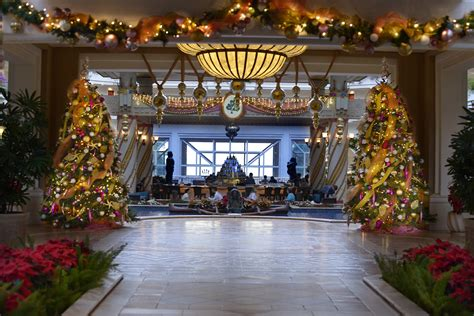 top ten hotel lobby christmas decorations tis the season of aloha 2014 at grand wailea a waldorf astoria resort