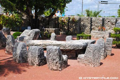 Ed Leedskalnin S Coral Castle Rock Garden Rock Garden Florida